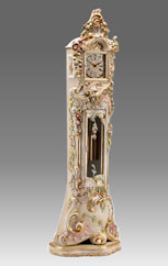 floor clock Art.514/2 lacquered white patinated without angel with gold leaf and decoration